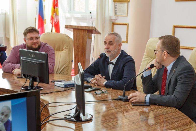 В ЮУрГАУ студенты встретились с президентом Ассоциации практикующих ветеринарных врачей России
