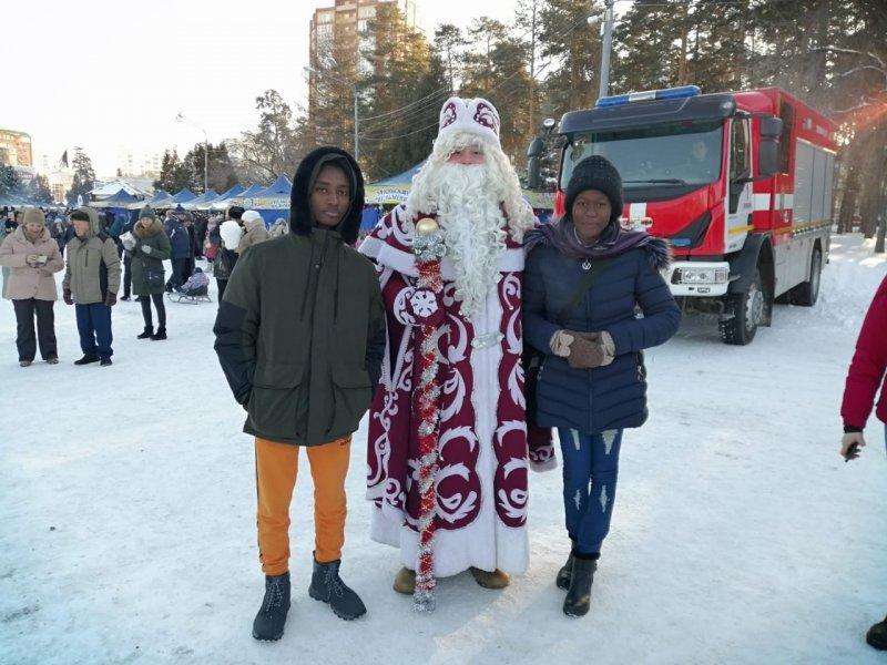 Иностранные студенты ЮУрГАУ – слушатели подготовительного отделения – познакомились с традициями празднования Нового года в России